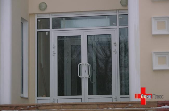 Входная группа из алюминиевого профиля в Омске